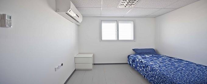 חדר שינה במכולת מגורים