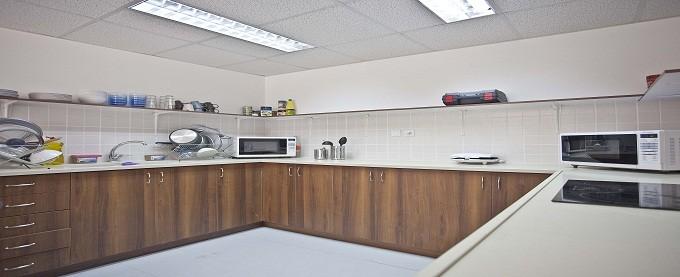 מטבח בעיצוב אישי במכולה למגורים