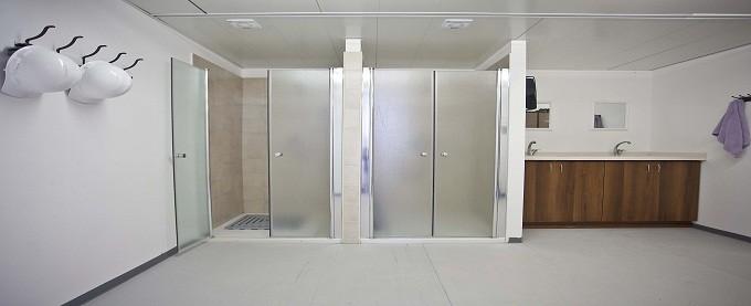 מכולת מקלחון למכירה